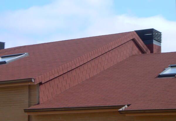 Tegola americana BARDOLINE rectangular rojo en vivienda