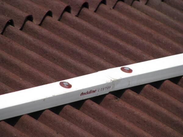 Clavo Espiral Onduline en fijación de placa asfáltica bajo teja con rastrel